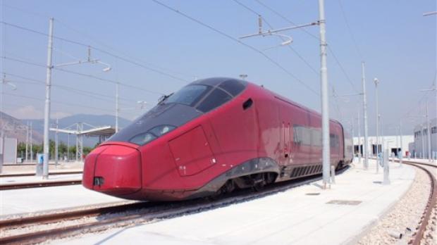 "Foto: ""Ferrari"" a lansat primul tren particular, în Italia / Galerie foto"