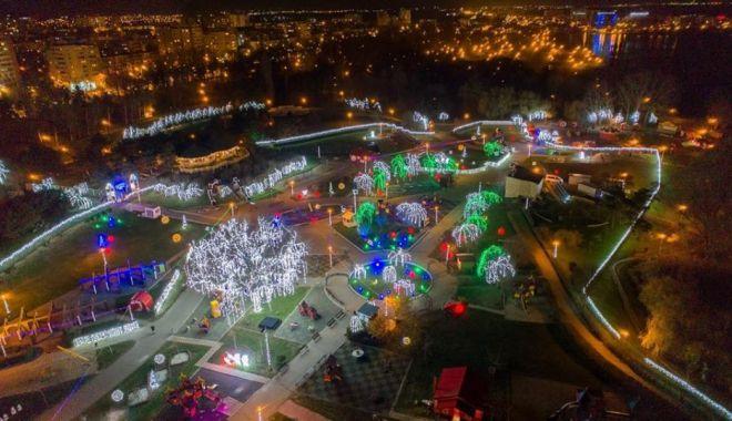 Foto: Festivalul Iernii, în Țara Piticilor. Parcul va fi închis timp de două săptămâni