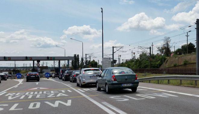 Foto: Patru benzi de trecere spre Constanța, la Agenția de Încasare Fetești