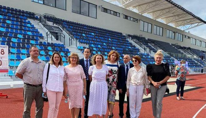 GALERIE FOTO / Ilie Floroiu, prezent la inaugurarea stadionului de atletism din Craiova - floroiu1-1598600058.jpg