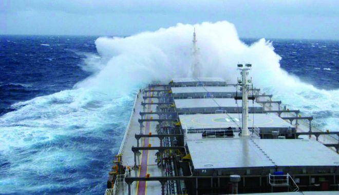 Foto: Flota comercială a României, acum 20 de ani. Ostatici în Yemen!