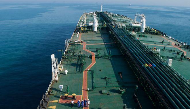 Foto: Flota comercială a României, acum 20 de ani. Din nou, criză…