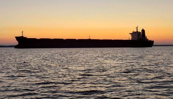 Flota comercială a României, acum 20 de ani. Sindicatul vâră sula-n coasta companiei Petromin - flotaprint-1557510156.jpg