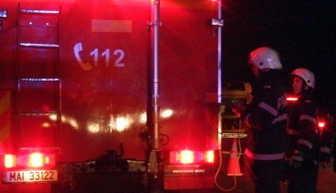Incendiu la o clinică de pe bulevardul Mamaia - foc-1524373770.jpg