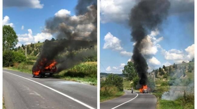 Foto: Un bărbat care a dat foc vegetației a reușit să își incendieze propria mașină