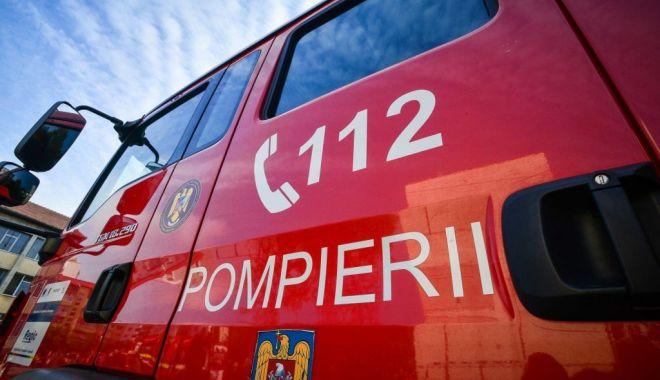 Un autocar cu 30 de pasageri a ars pe DN14. Nimeni nu a fost rănit - foc-1613544365.jpg