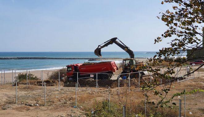 Construcţie fantomă, pe malul mării, în Faleză Nord - fond-1602178981.jpg