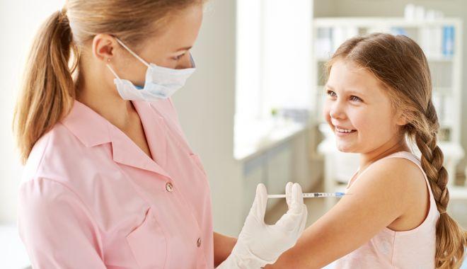 Alertă la Constanţa! Liste de aşteptare în farmacii pentru vaccinul antigripal - fond-1602782404.jpg