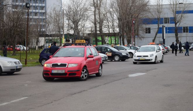 """""""Păcălelile"""" școlilor auto din Constanța, dejucate! Semnături false sau orele fictive de șofat, sancționate! - fond-1604337686.jpg"""