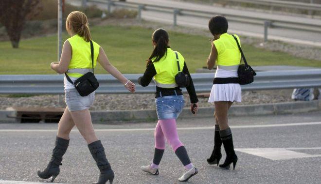 """Drumul spre prostituție, pavat cu promisiuni: """"Am crezut că sunt îndrăgostită!"""" - fond-1610293382.jpg"""