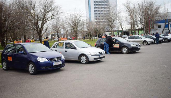 Sătui să aștepte cu lunile! Constănțenii se mută fictiv în alte județe, pentru un permis auto! - fond-1622828588.jpg
