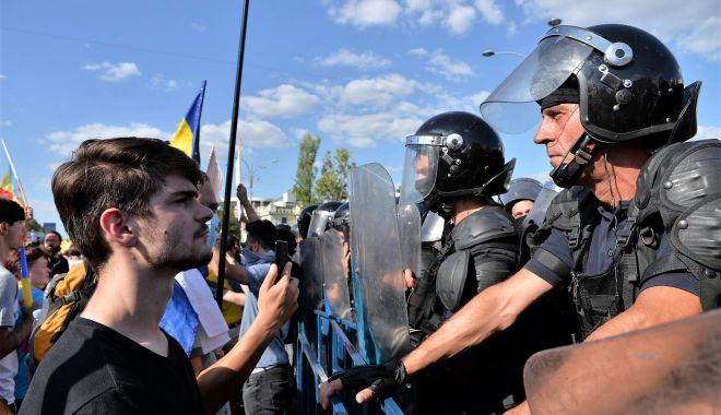 """Foto: Anchetă în dosarul """"10 august"""". """"Niciun jandarm din Constanța nu a lovit oameni căzuți la pământ!"""""""