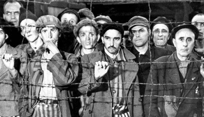 """Foto: Ororile Holocaustului prin ochii supraviețuitorilor. """"Oamenii erau băgați de vii în gropi"""""""