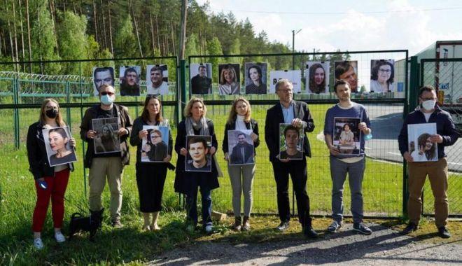 """AFP - Organizaţia """"Reporteri fără frontiere"""" a protestat la graniţa cu Belarus - fond3print-1622226072.jpg"""
