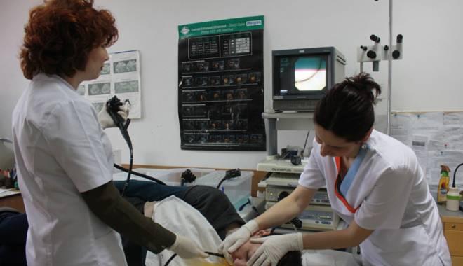 Foto: Ai arsuri la stomac și dureri în piept? Hernia hiatală poate fi cauza!