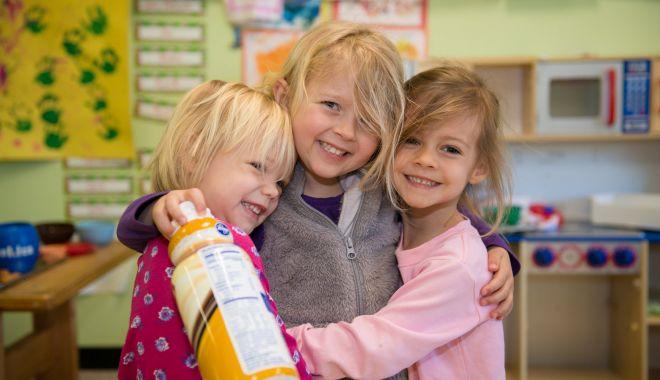 Foto: Alocațiile copiilor vor fi dublate! Guvernul spune că nu are bani acum