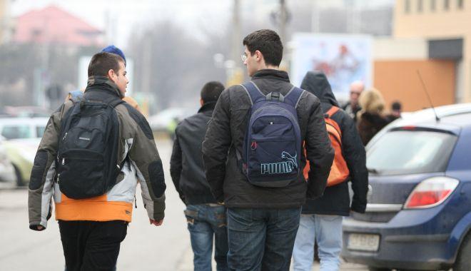 Foto: Situație incredibilă în Constanța: elevi fără alocații de stat, de mai bine de jumătate de an!