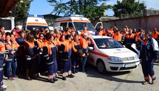 Foto: Grevă la Ambulanță. Angajații vor să le fie schimbate hârburile cu care preiau pacienții