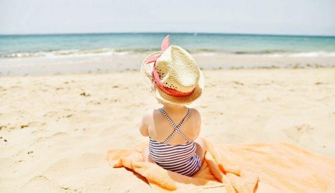 Înghițirea apei de mare poate îmbolnăvi bebelușul