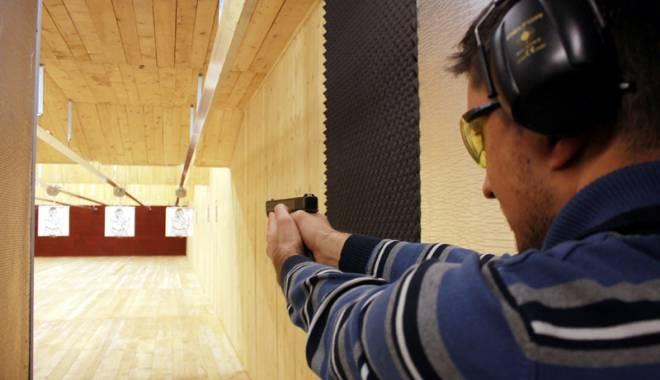 Posesorii de arme, obligați să se supună testării psihologice în orice moment - fondarma-1451926942.jpg