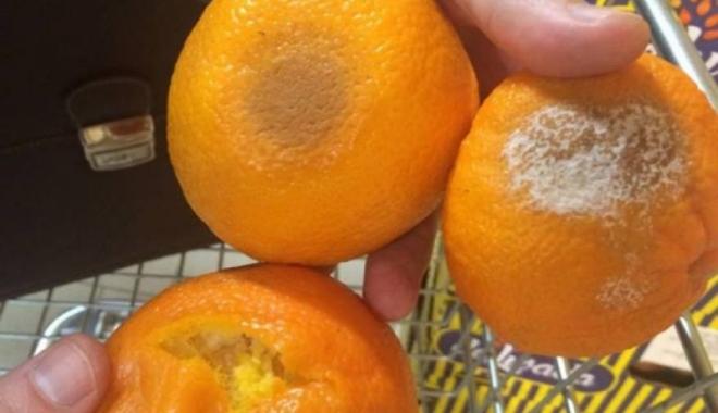 Foto: Bani aruncați pe fereastră. Legume și fructe mucegăite, pe rafturile supermarketurilor