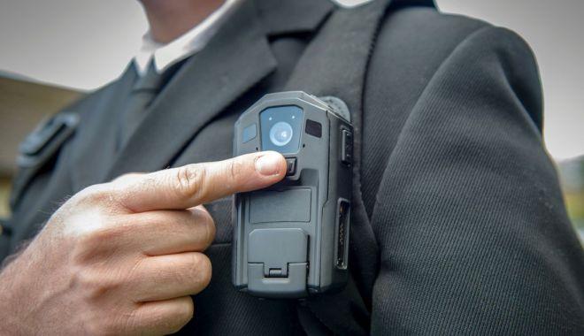 Foto: După mașini de poliție ca în Germania, vin bodycam-uri ca în Anglia!
