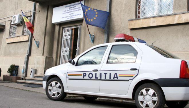 Foto: Arestați de Poliția Constanța! Au distrus mașina unei femei și au agresat un bărbat