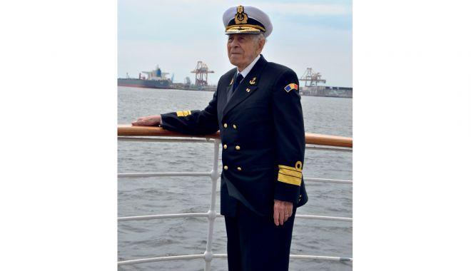 O viață cât un veac! Decanul de vârstă al marinarilor militari a împlinit 102 ani! - fondcaragea102anisursafortelenav-1610985498.jpg