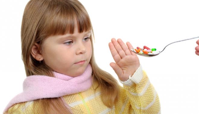 Foto: Ce mare pericol îi paște pe copiii care  iau antibiotice, deși nu este necesar