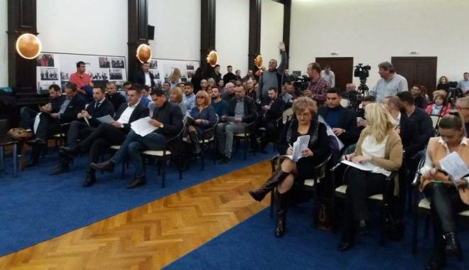 Foto: Consilierii locali au decis! Se șterg penalitățile celor cu datorii la bugetul local