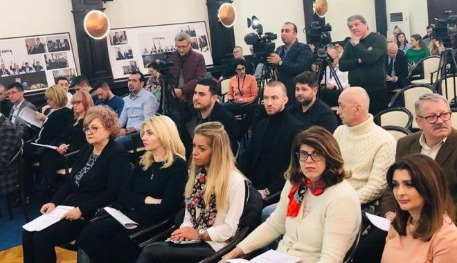 Consilierii locali din Constanța, convocați în ședință. Ce cupluri vor primi câte 10.000 de lei - fondconsiliullocalconstanta-1582668208.jpg