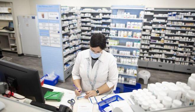 """Foto: Farmaciile de cartier, amenințate de faliment? """"Medicamentele de pe rețete nu le găsim și pe rafturi!"""""""