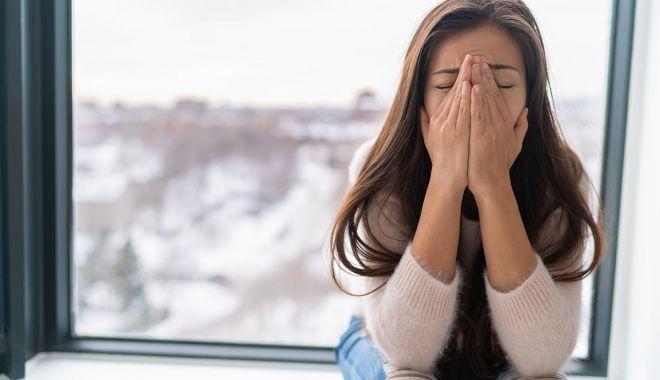 Atacul de panică îți dă dureri de cap? Cum îl recunoşti şi ce să faci pentru a-l preveni - fondcumrecunostiataculdepanica1-1628717910.jpg