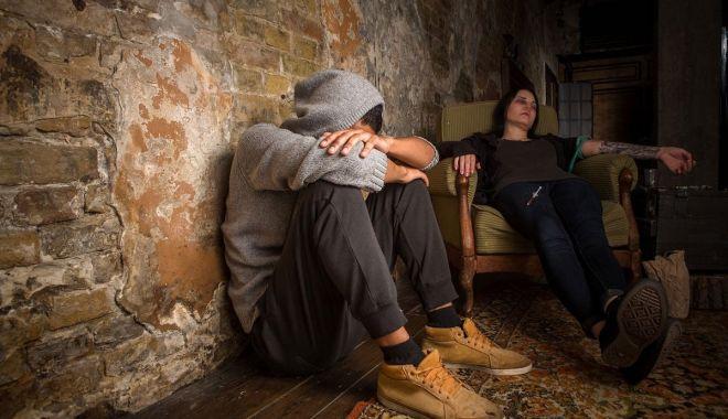 """Mărturie cutremurătoare: """"Până la 19 ani, aveam deja trei come alcoolice și o supradoză!"""" - fonddrogat1-1631209468.jpg"""