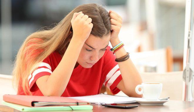 """Elevii din anii terminali, copleşiţi de stresul pandemiei! """"Mulţi au înregistrat regres şcolar!"""" - fondelevipsiholog-1621173883.jpg"""