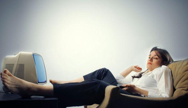 Avertismentul doctorilor - Te dor oasele și ești sedentar? Ai risc crescut de osteoporoză! - fondestisedentar-1627649336.jpg