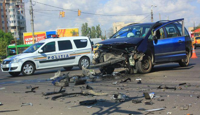 """Foto: Afaceri pe spatele victimelor accidentelor rutiere. Aveți grijă la """"experții în despăgubiri""""!"""