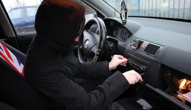 Foto: Hoții de mașini se perfecționează. Cum le puteți ține piept