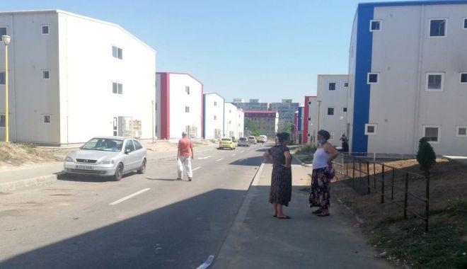"""Foto: Reportaj în cartierul social """"Henri Coandă"""". """"Suntem ca în lagăr!"""""""