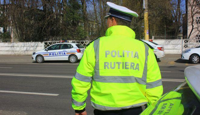 """Foto: """"Liniuțe"""" pe bulevardele Constanței! Rutiera iese la """"atac"""" cu radarele!"""