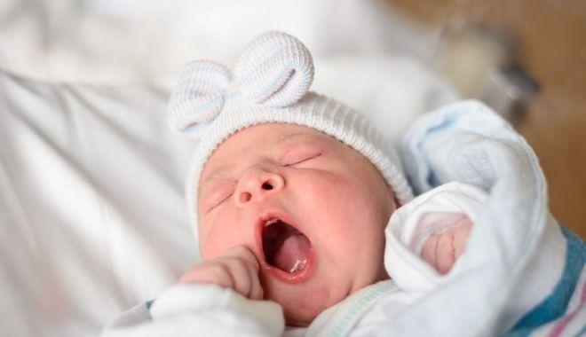 Proaspetele mămici, care au născut la spitalul judeţean, revoltate că nu-şi pot vedea bebeluşii - fondmamicidisperate-1603380948.jpg