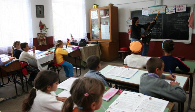 Foto: Constanța are nevoie de mediatori școlari să lupte cu analfabetismul!