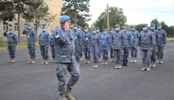 Adio, arme! Pălării și bastoane, la final de carieră, pentru trei militari de la Capu Midia - fondmilitarpensie1-1601491447.jpg