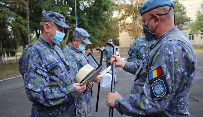 Adio, arme! Pălării și bastoane, la final de carieră, pentru trei militari de la Capu Midia - fondmilitarpensie3-1601491468.jpg