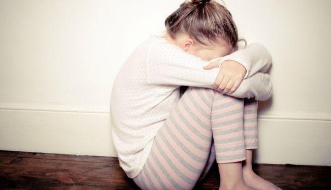 """Inimi de copii, frânte cu abuzuri sexuale! """"Anunțați Poliția, nu rămâneți indiferenți!"""" - fondminorivictimesexuale1-1623597024.jpg"""