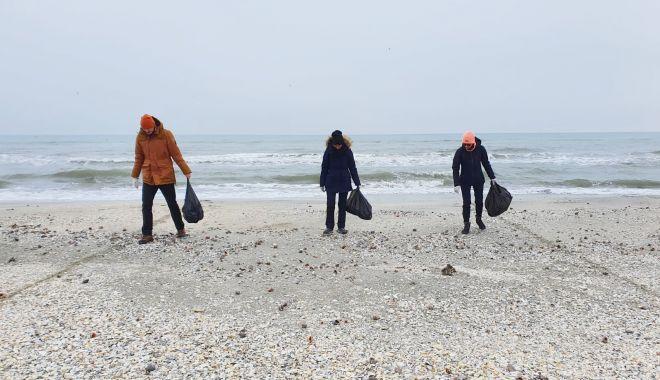 Pericolul din nisip. Plaje pline de gunoaie, pe întreg litoralul - fondpericoluldinnisip-1616418502.jpg