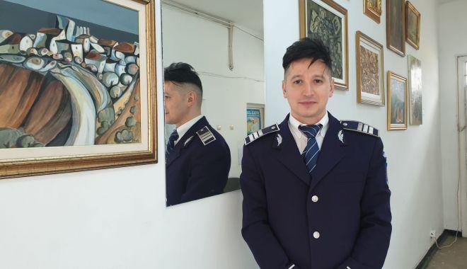 Foto: Inedit: un polițist din Constanța a decorat o secție de poliție cu opere de artă!