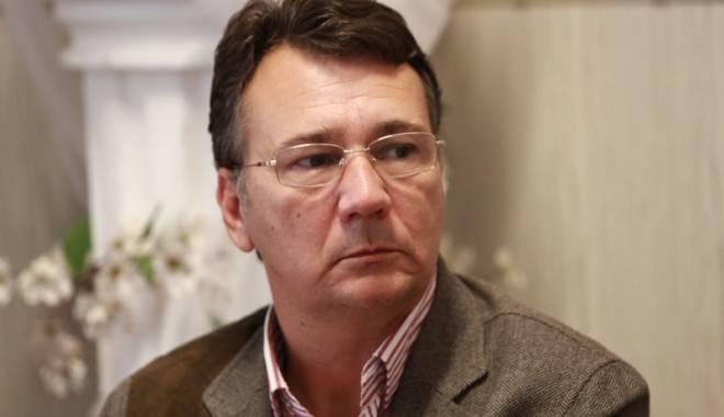"""Foto: Șpăgi de mii de euro! Primarul Adrian Stan, """"rașchetat"""" de DNA"""