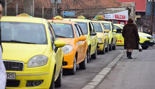 """Taximetriștii, îngenuncheați de COVID-19. Ce """"păsuire"""" le-a făcut autoritatea locală din Constanța - fondprintlicaneaguregulament2-1614104368.jpg"""