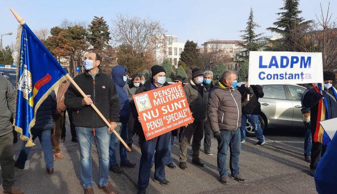 """Protest al polițiștilor, grefierilor și pensionarilor, la Constanța. """"Suntem umiliți!"""" - fondprotestpolitistigrefieri1-1611156431.jpg"""